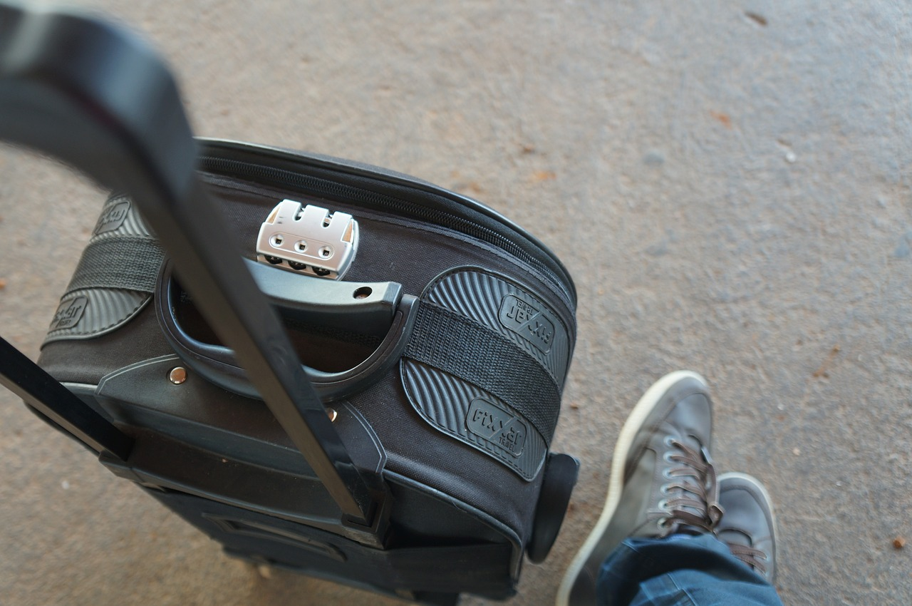 suitcase-632536_1280