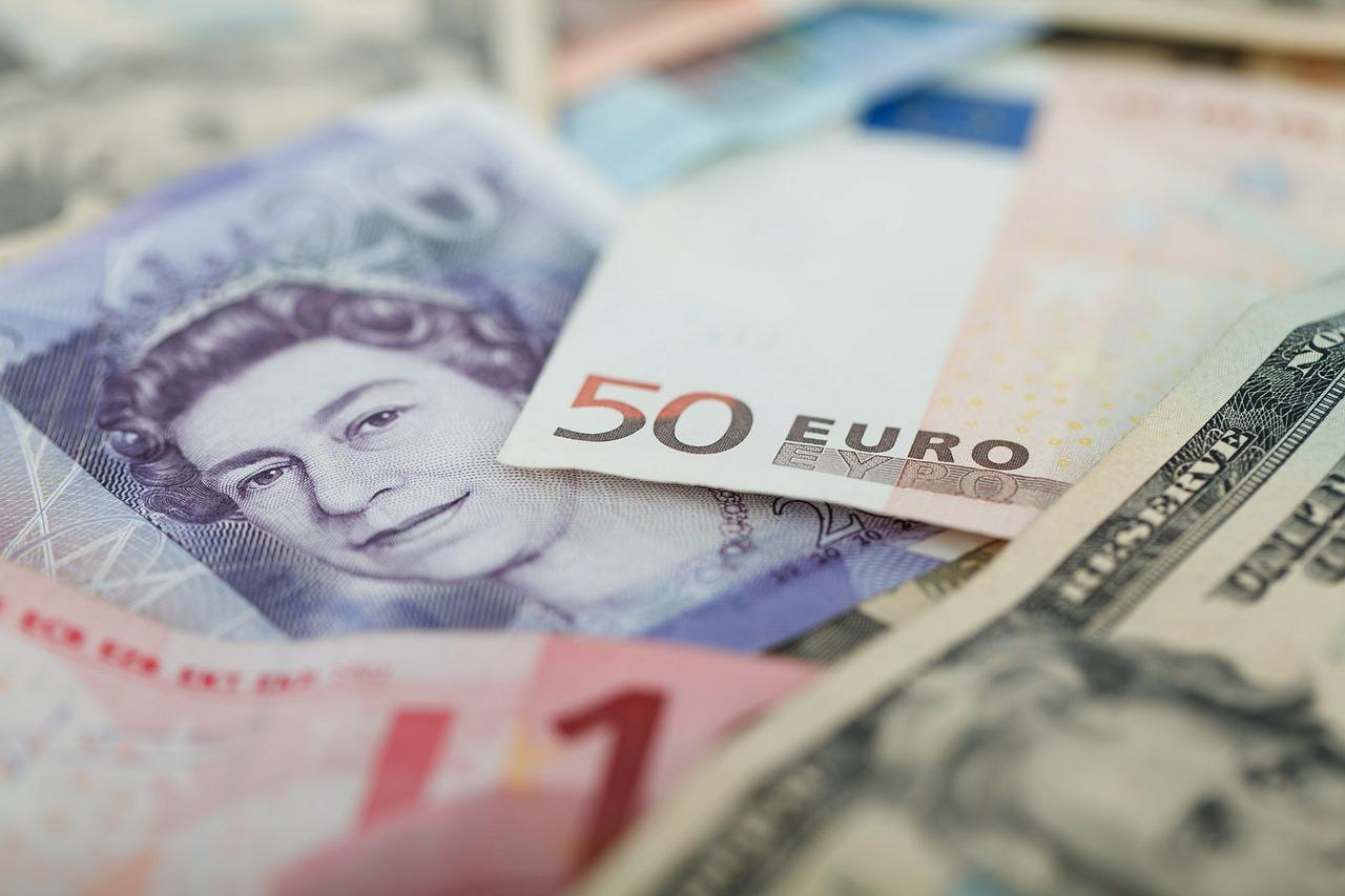 currencies-69522_1280